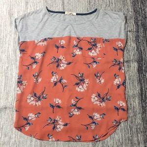 Flowy shirt with a beautiful flower design